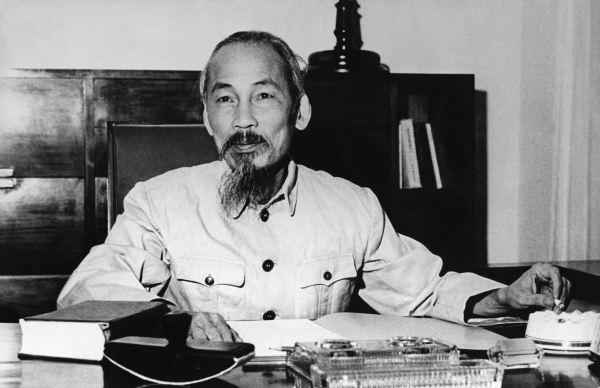 VIETNAM - JULY 25: Portrait of HO CHI MINH, the President of the Democratic Republic of North Vietnam in his office at the Presidential Palace in Hanoi on May 27, 1955. (Photo by Keystone-France/Gamma-Keystone via Getty Images)