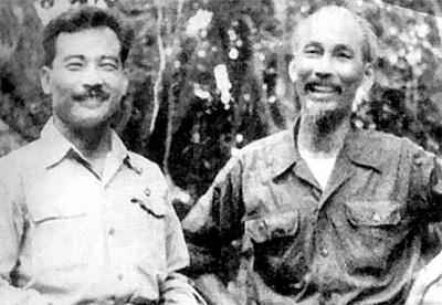 president-ho-chi-minh-l-and-prince-souphanouvong-526827-8822649620120905152347957