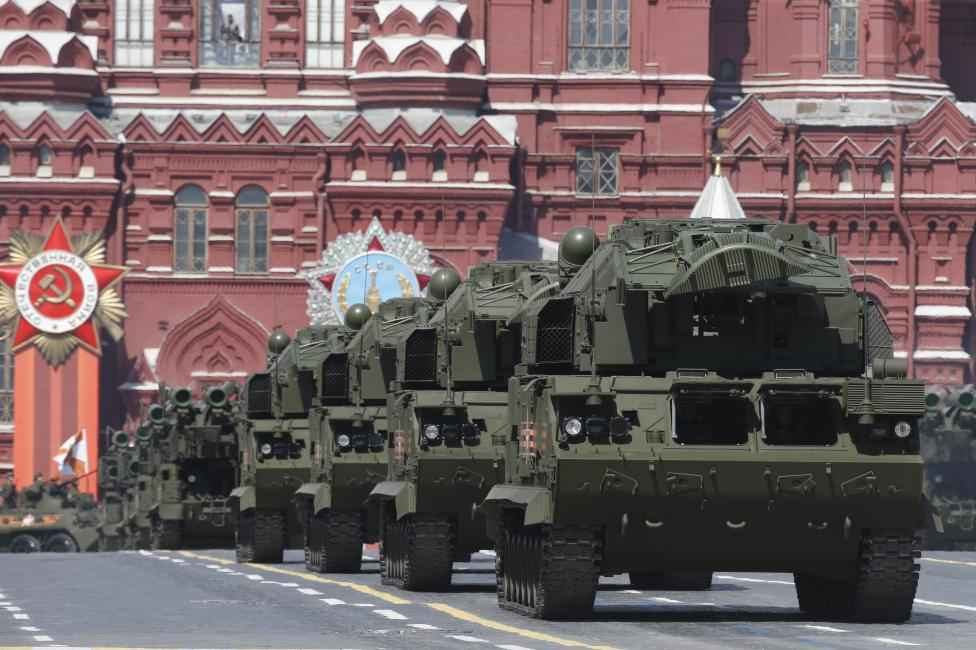 Russian TOR-M2U tactical surface-to-air missile systems drive during the Victory Day parade at Red Square in Moscow, Russia, May 9, 2015.  REUTERS/Sergei Karpukhin