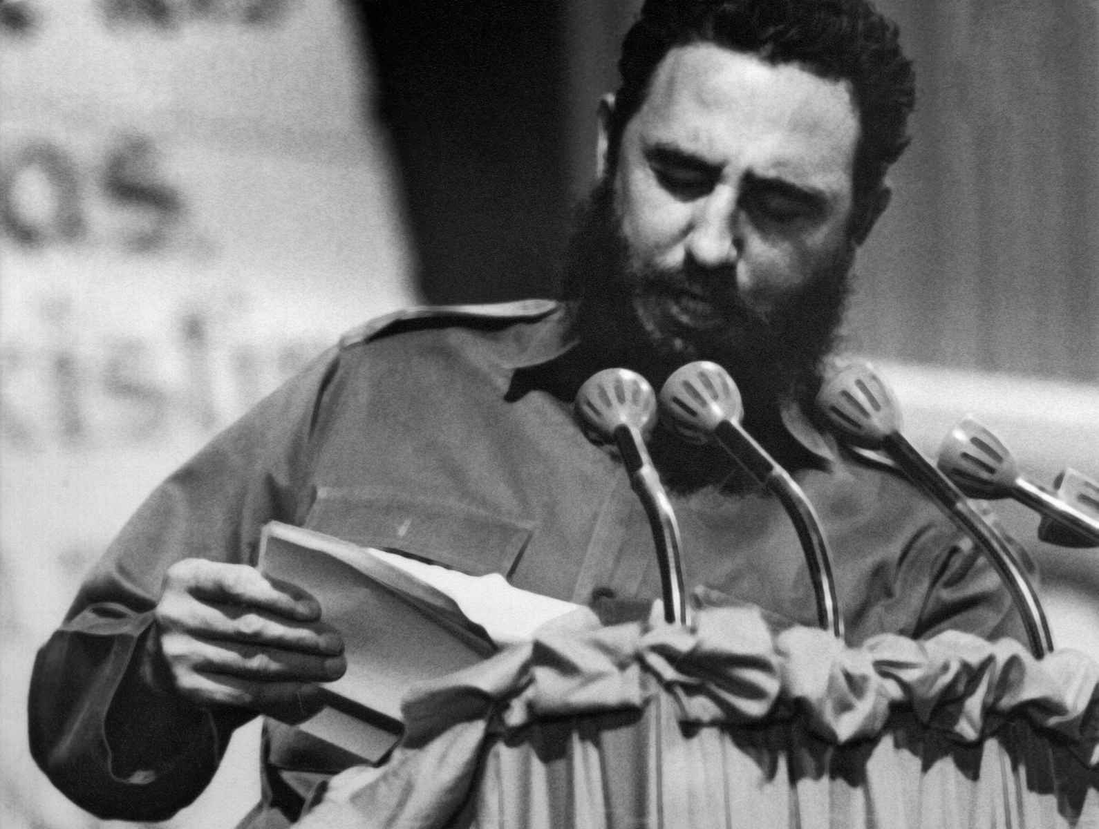(FILES) Photograph taken in the 60s of Cuban president Fidel Castro during a speech.         AFP PHOTO/CUBA's COUNCIL OF STATE ARCHIVE (Photo credit should read -/AFP/Getty Images)