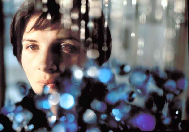 PHOTO: EAST NEWS/ALBUM - THREE COLOURS: BLUE ( 1993 ) Credits : - MK2/CED/FRANCE 3/CAB/TOR/CANAL + / Album Original Title : - TROIS COULEURS: BLEU Director : - KIESLOWSKI, KRZYSZTOF Photo personalities : - BINOCHE, JULIETTE
