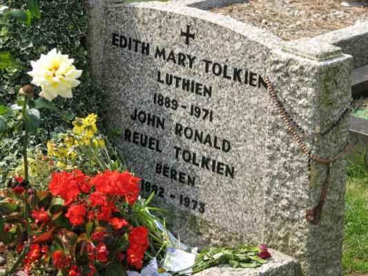 tolkien-grave