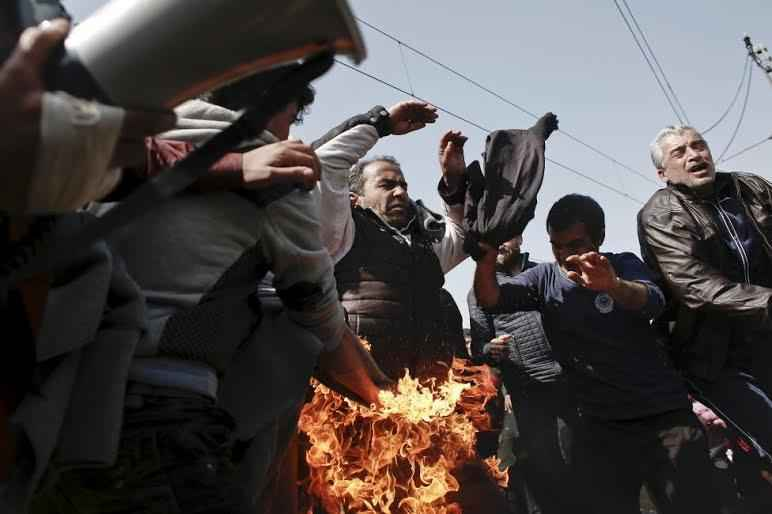 refugee-burns