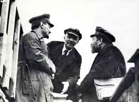 Trotsky (left) and Lenin (centre) with Lev Kamenev