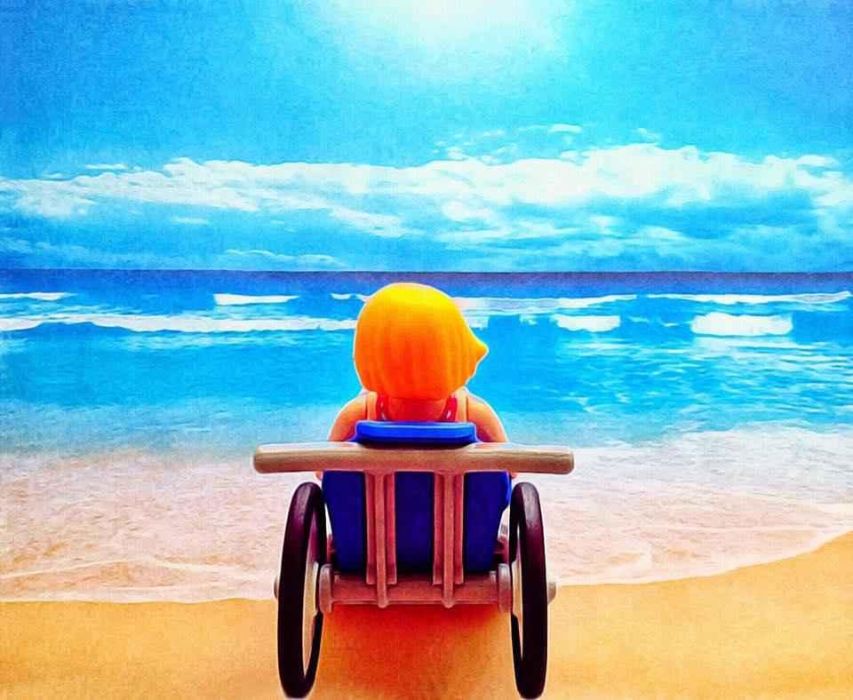 plasticobilism-beach