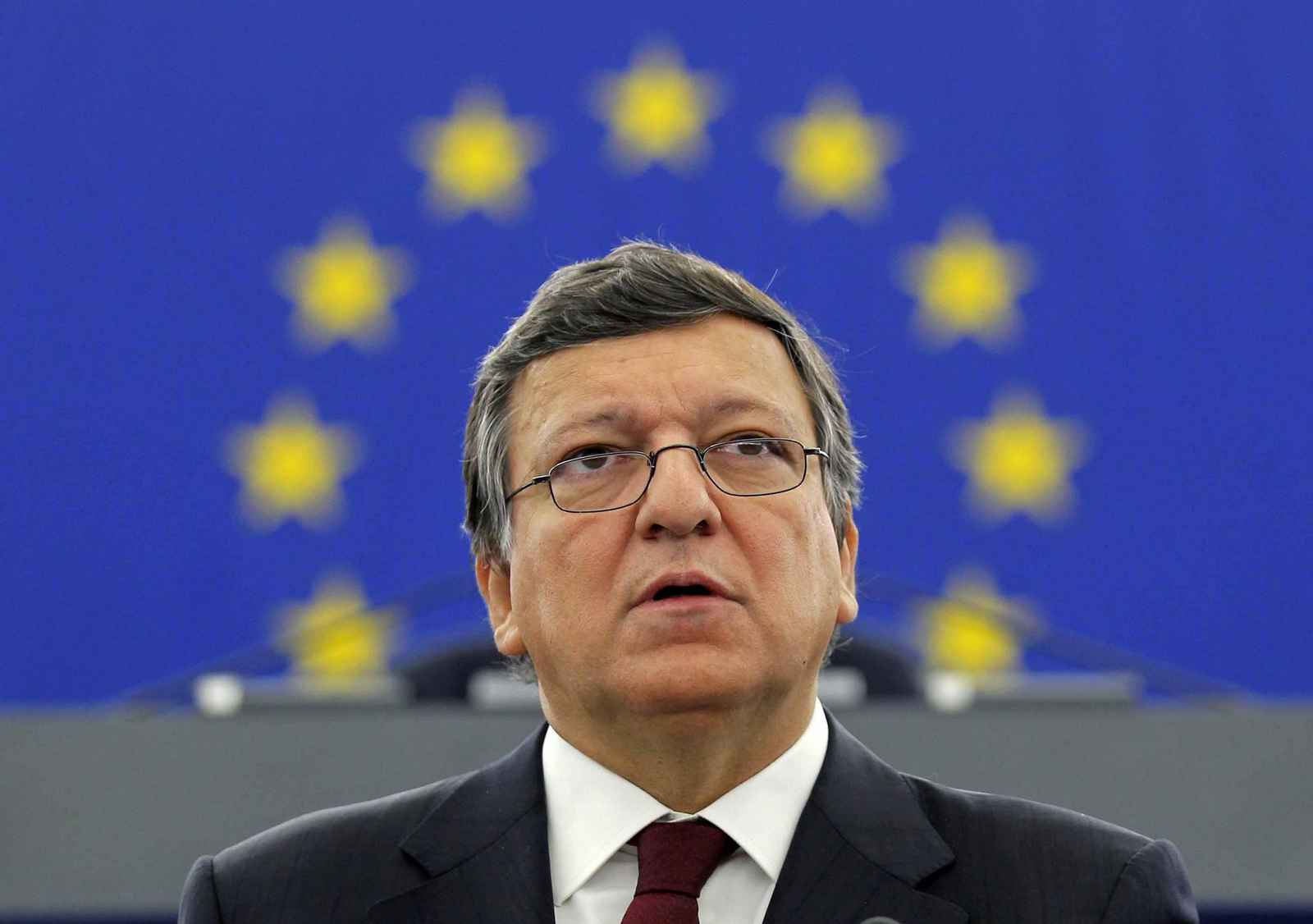 European Commission President Jose Manuel Barroso addresses the European Parliament during a debate on the state of the EU in Strasbourg September 28, 2011. REUTERS/Vincent Kessler (FRANCE - Tags: POLITICS HEADSHOT) ORG XMIT: VAK02