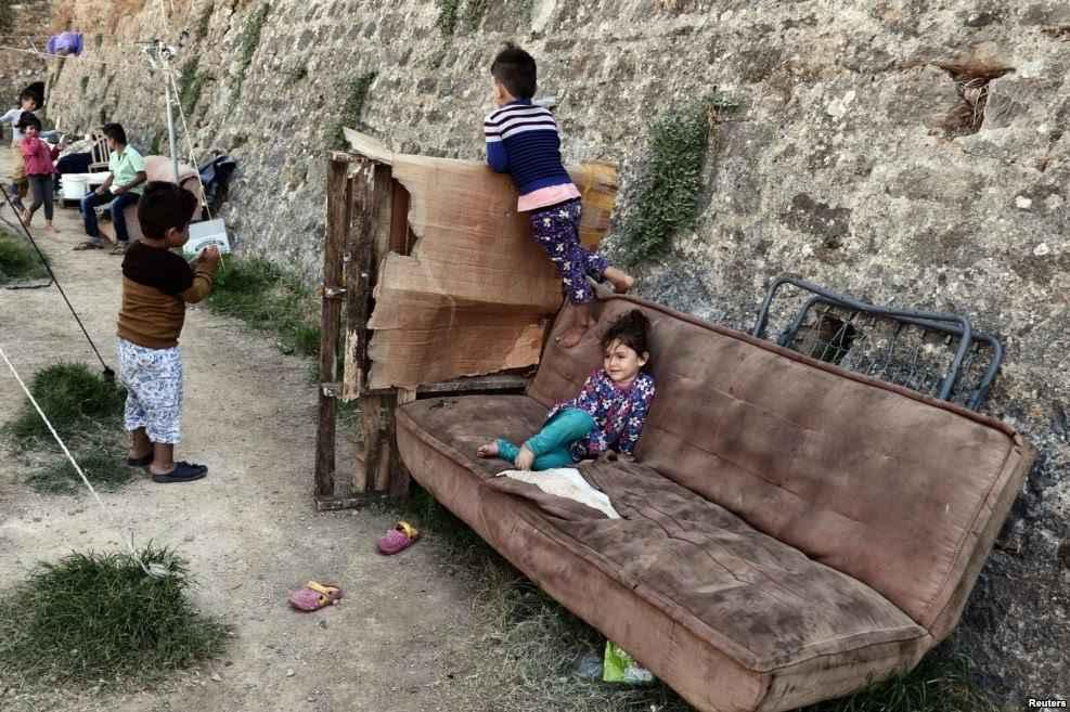 xios-refugees-children