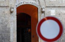 A view shows the entrance of the Monte dei Paschi bank headquarters in downtown Siena November 4, 2014. REUTERS/Giampiero Sposito